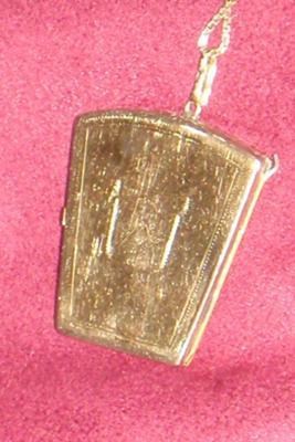 Masonic Locket Back