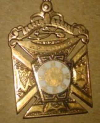 Masonic Pendant - closeup